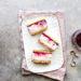 SHORTBREAD CON GELATO ALLA RICOTTA E FRAGOLE (biscotto gelato)